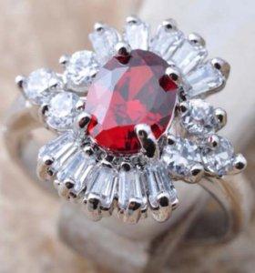 Кольцо женское с камнями рубин хрусталь