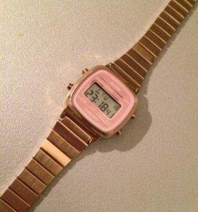 Металлические часы HM