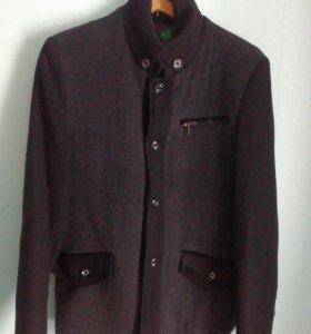 Осенняя куртка  б/у отличное состояние
