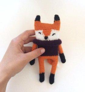 модный лис в свитере