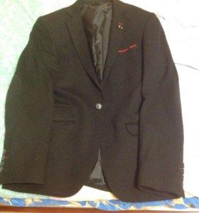 Новый стрейчевый пиджак