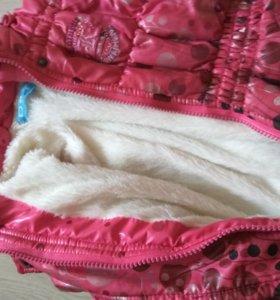 Теплая курточка на девочку2-3 лет