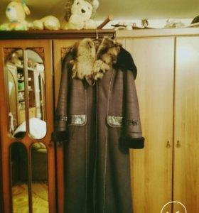 Дублёнка с натуральным воротником одевала пару раз