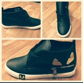 Обувь молодёжная
