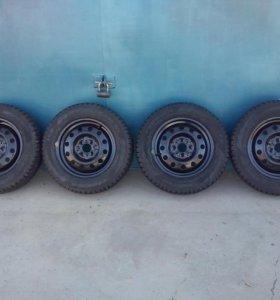 Колеса на ВАЗ зимние шипованые Pirelli