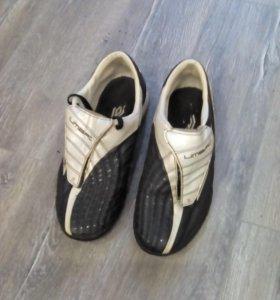 Кроссовки футбольные UMBRO