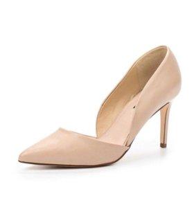 Туфли новые бежевые есть и в чёрном цвете