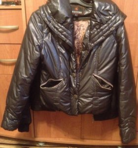 Легкая куртка+прилагается поясок
