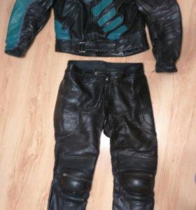 Кожаный костюм для кольцевого мотоцикла