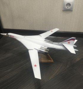 Модель самолета ТУ-160