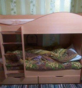 Кровать двух'ярусная
