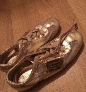 Кроссовки золотые 37