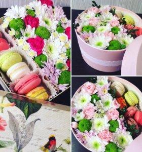Коробочки с цветами и сладостями
