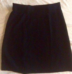 Чёрная обтягивающая юбка