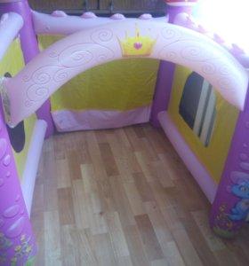 Детский надувной замок