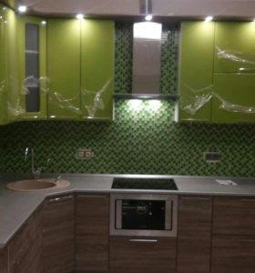 Кухня зелено коричневая