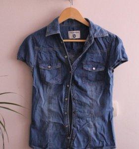 Джинсовая рубашка terranova