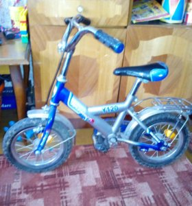 Детский велосипед, колёса на 12.