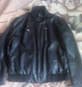 Продам куртку отличное состояние