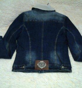 Куртка джинсевая