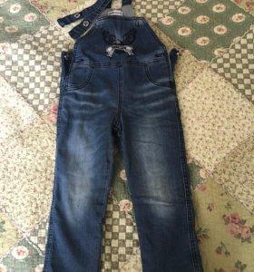 Утеплённый джинсовый комбинезон