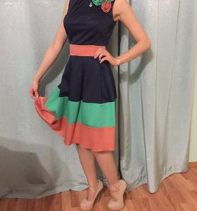 Качественное платье приятной расцветки