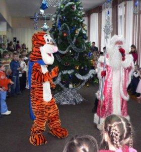 Праздник для детей с веселым Дедом Морозом