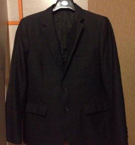 Школьный костюм на мальчика 146-152 см