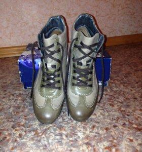 Ботинки новые демисезонные RALF.