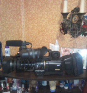 Видео камера GVC  тринога свет камера панасоник