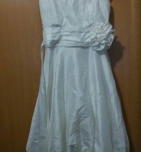 Белое платье.р42