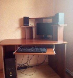 Продается компьютерный стол