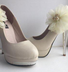 Туфли новые свадебные или на каждый день