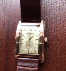 Золотые часы Ника