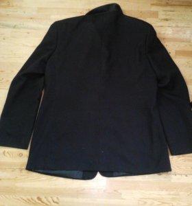 Пиджак Roberto Bartolini; почти не одёваный.