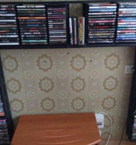 Продам DVD диски и стеллажи для их хранения