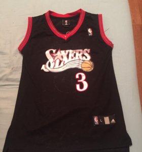 Продам баскетбольную майку Iverson 3