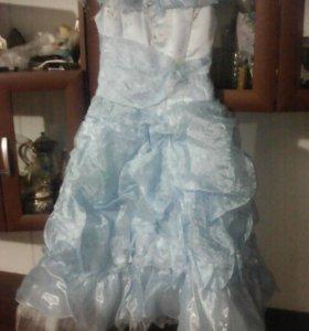 Платье на девочку 7-8лет.