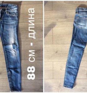 Фирменные джинсы Dsquared2.