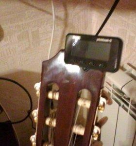 Тюнер для настройки гитары KORG