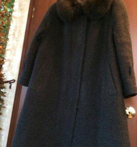 """Пальто из ламы Голландской фирмы """" BARUCH""""."""