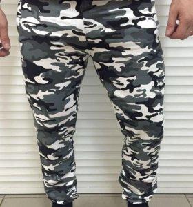 Новые Спортивные камуфляжные штаны