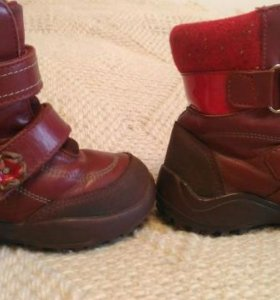 Зимние ботинки  25 размера