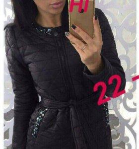 Курточка новая 44-46