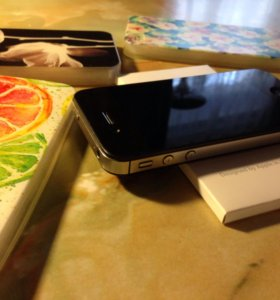 iPhone 4s Black, 16 gb+чехлы