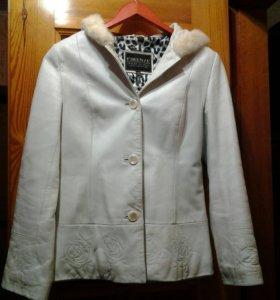 Куртка кожанная р.44
