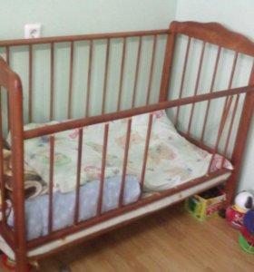 Продам детскую кроватку+ матрасик