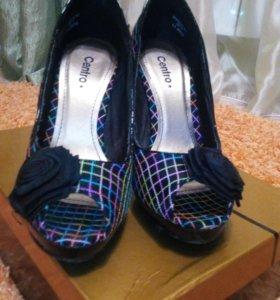 Очень оригинальные туфельки