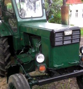 Расчистка снега трактором