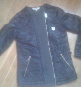 Детская куртка фирменая Италия.